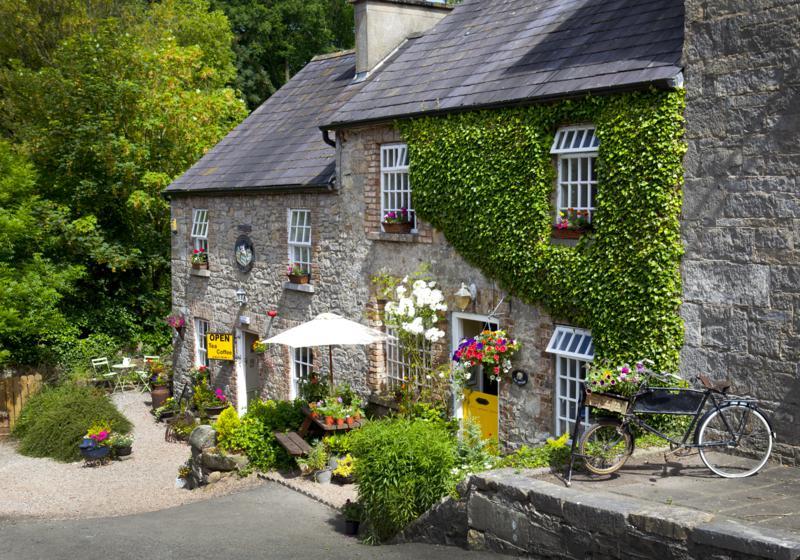 Ambledown Cottage Glaslough Village