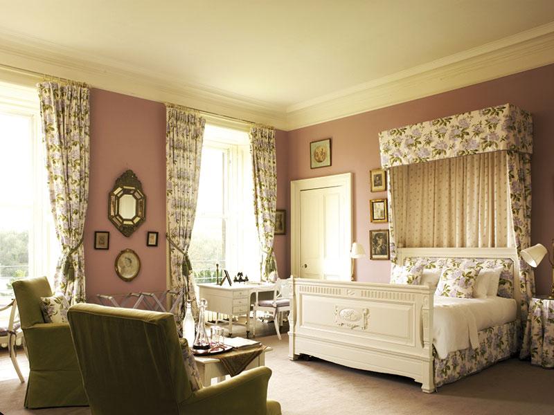Castle-Mauve-Room2