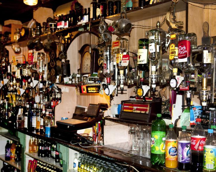 Coachhouse and Olde Bar 4_750x600